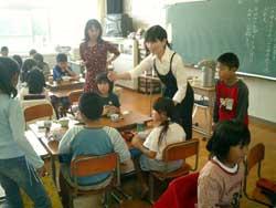 嬉野小学校-お茶のひみつをさぐれ-