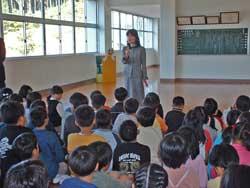 嬉野小学校での日本茶教室