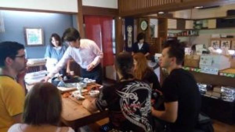 海外のバイヤ-の皆様にうれしの茶をアピ-ル!!